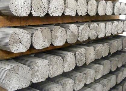 Comprar Arame de aço em varetas para travessas de caminho-de-ferro