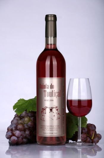 "Compro Vinho Verde Rosé ""Qta do Toutiçal"" 2007"