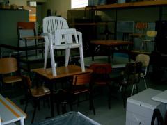 Mesas e cadeiras para cafés, restaurantes e cantinas