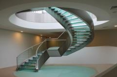 Escadaria oval inox
