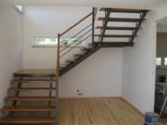 Escadas em madeira com ferro