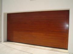 Portгo seccionado lacado madeira