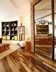Pavimentos em madeira e sintéticos