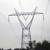 Postes para linhas de distribuição de energia