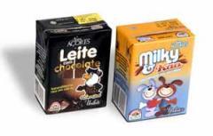 """Leite UHT com chocolate """"Nova Açores"""" e """"Nova"""