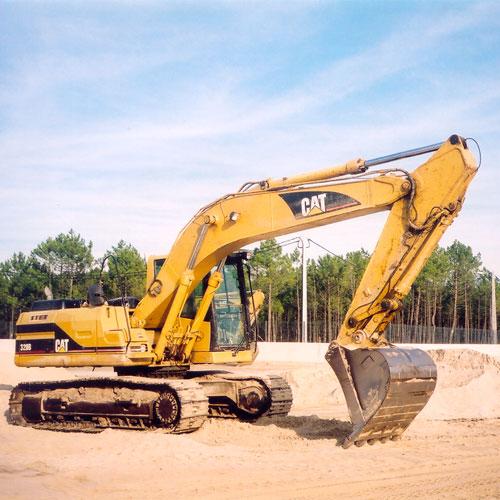 Encomenda Aluguer maquinas giratórias Caterpillar 320C