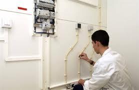 Encomenda Instalações eléctricas
