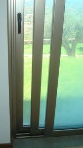 Encomenda Paredes, caixilhos e vidros, incluindo os de fachadas e toldos