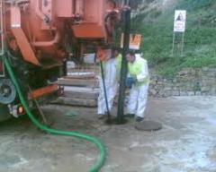 Limpeza e aspiração de fossas
